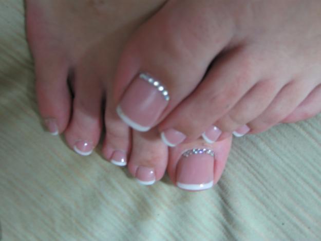 Как клеить простые ногти
